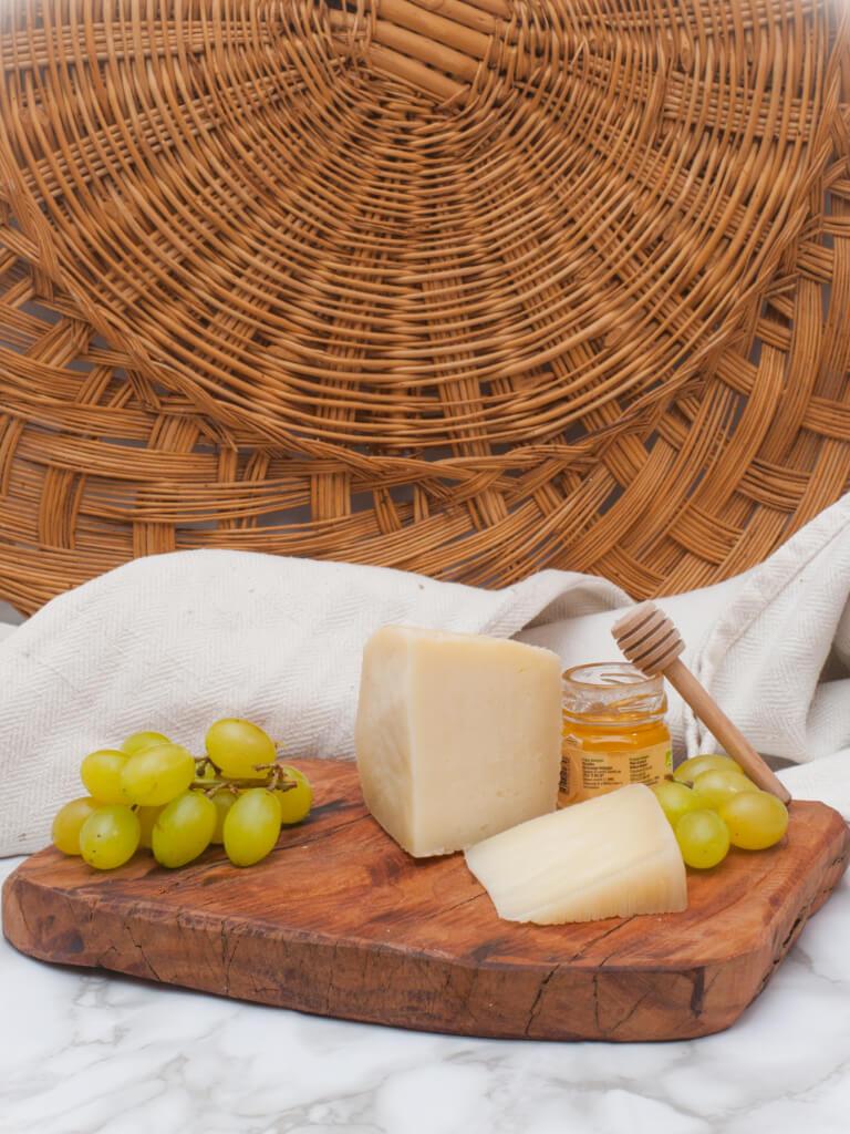 formaggio pecorino canestrato moliterno 2