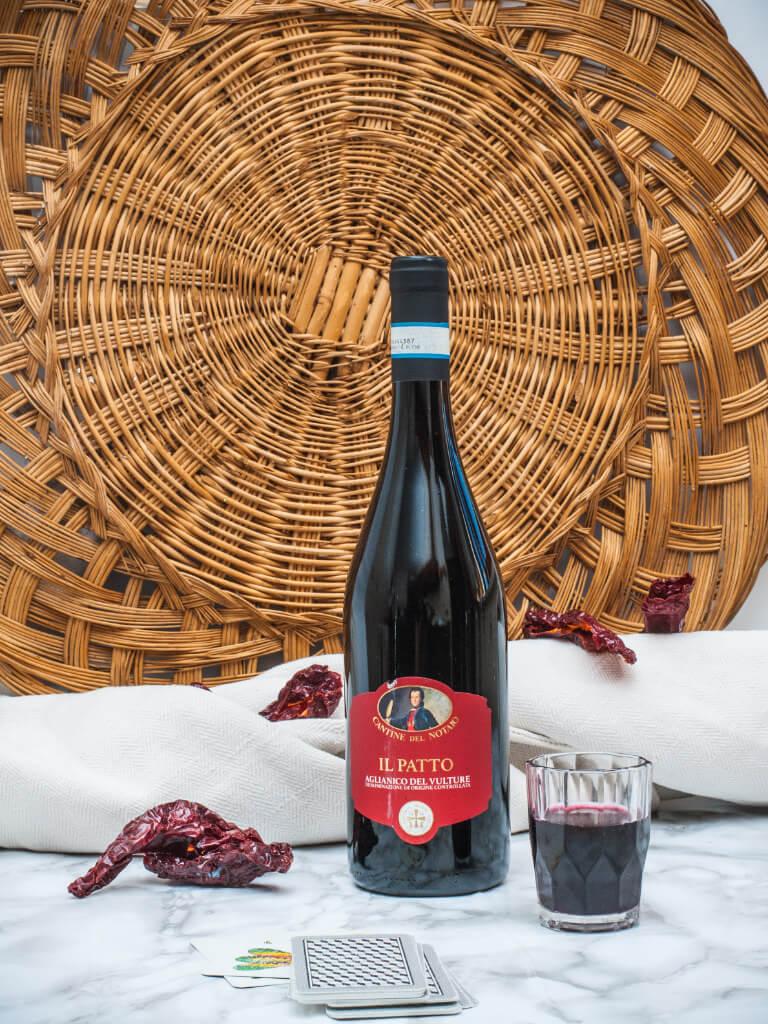 vino ilpatto aglianico cantinenotaio 2